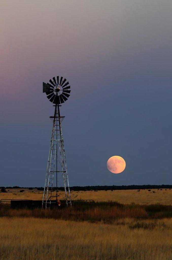 Scott McCormick: Super Moon