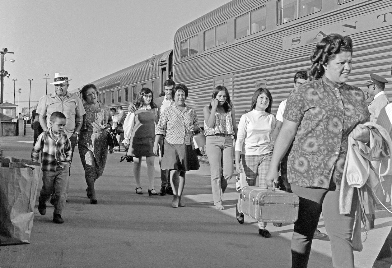 Martin Matlack: Coach Passengers