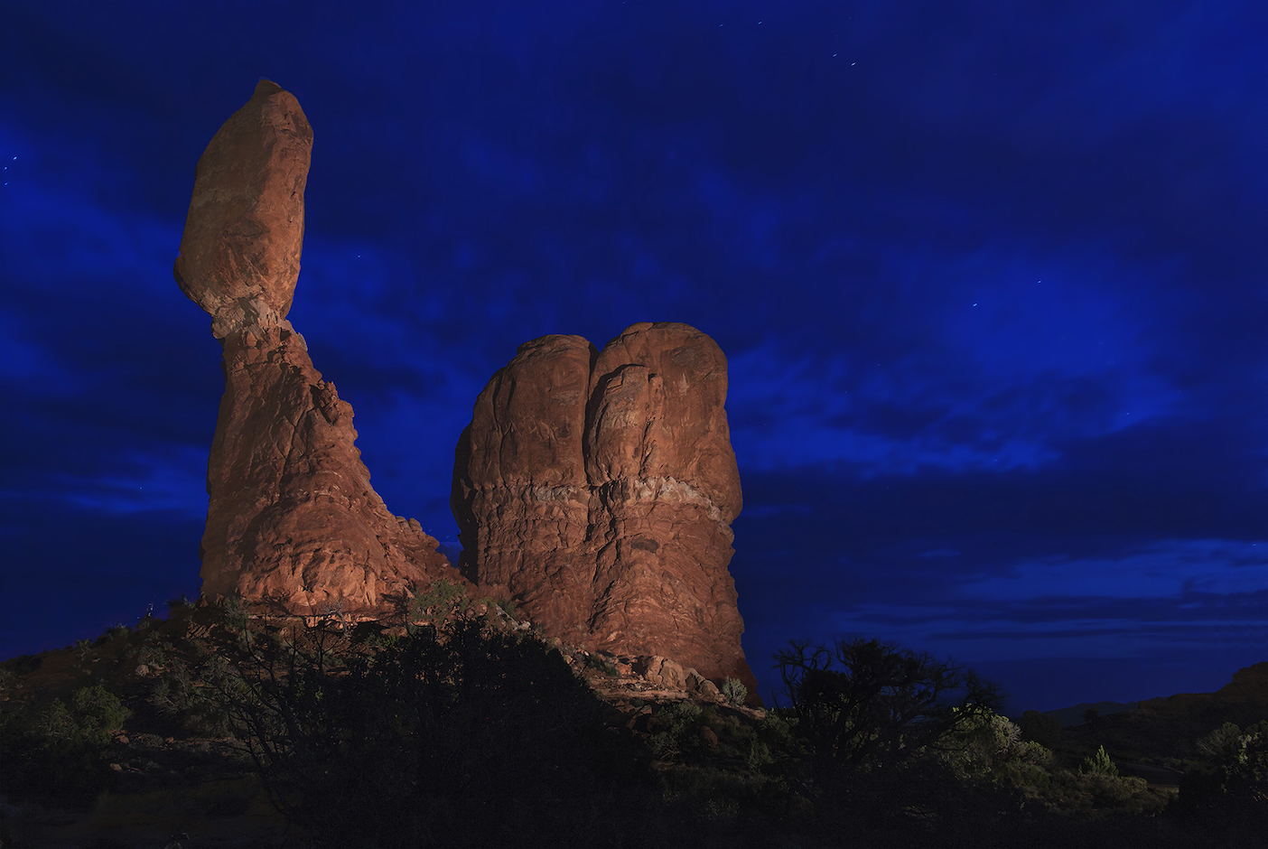 Mike Stephens: Balanced Rock New Light Painted